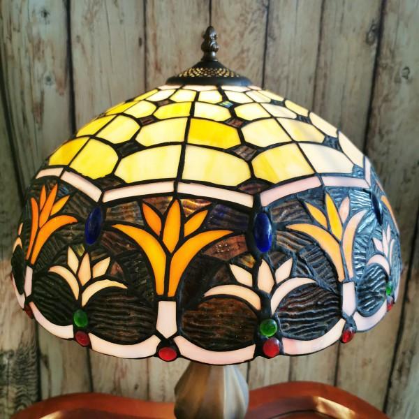 Голяма настолна лампа с флорални мотиви