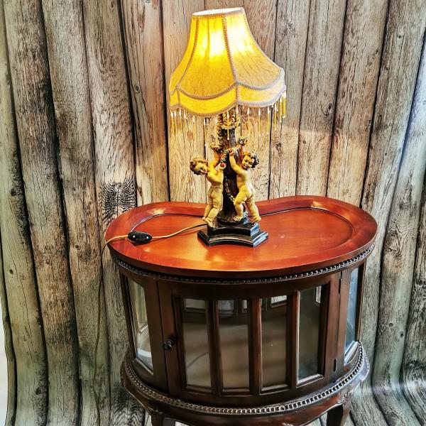 Настолна лампа с пластика ангелчета