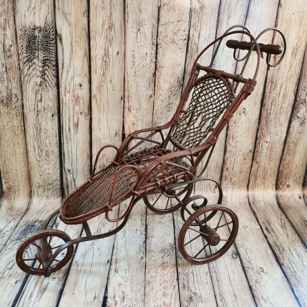 Ретро ратанова триколка за кукла