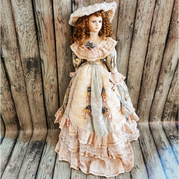 Голяма порцеланова кукла 100см