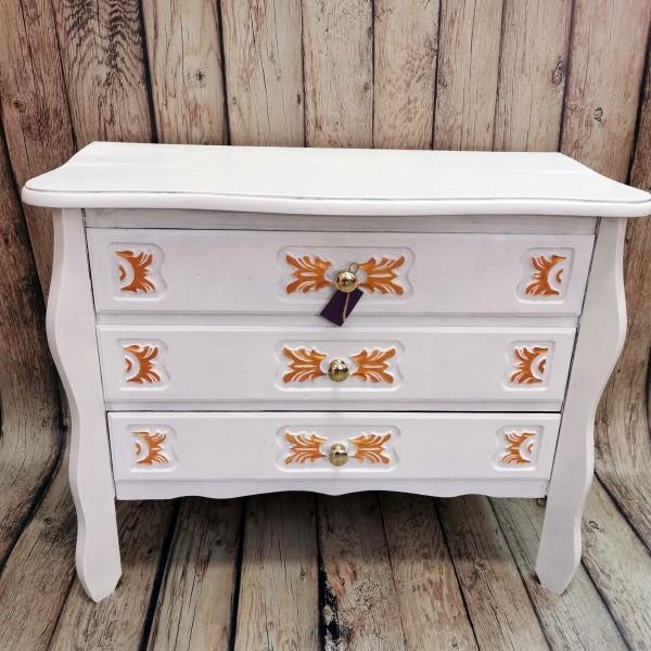 Скринче с три чекмеджета, бяло