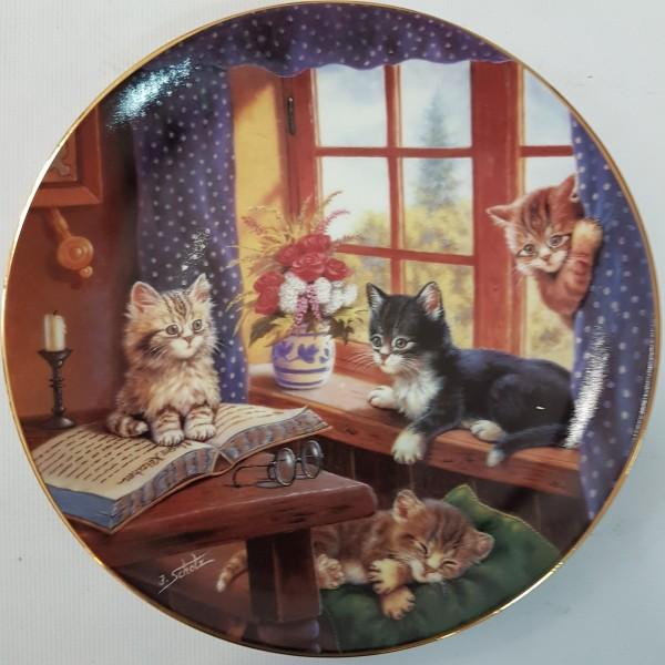 """Колекционерска чиния за стена """"Котета"""""""