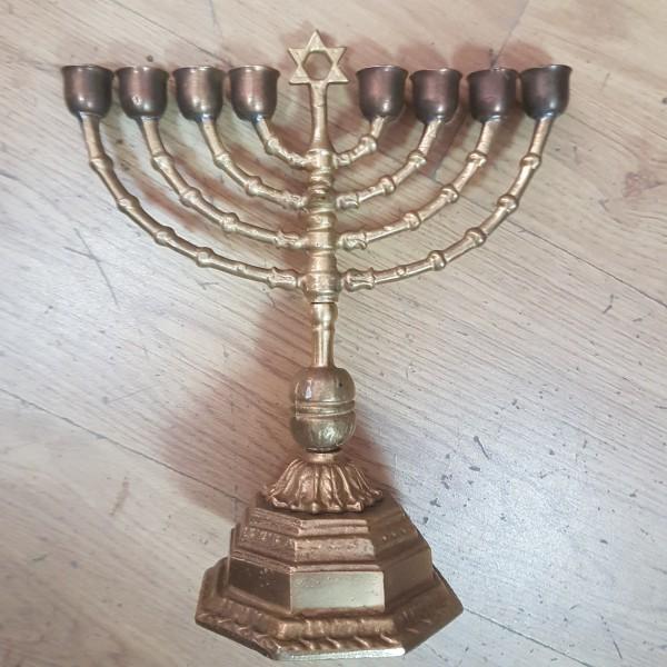 Еврейски свещник