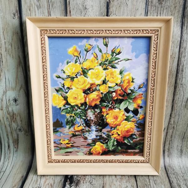 Натюрморт с жълти рози