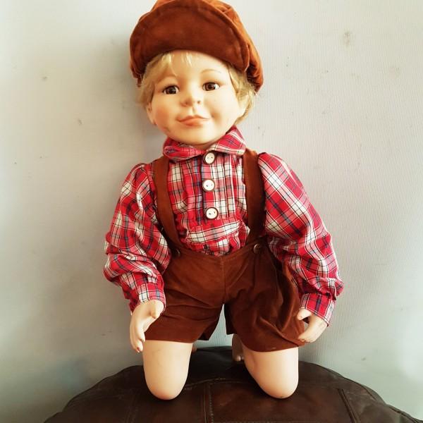 Порцеланова кукла - момченце
