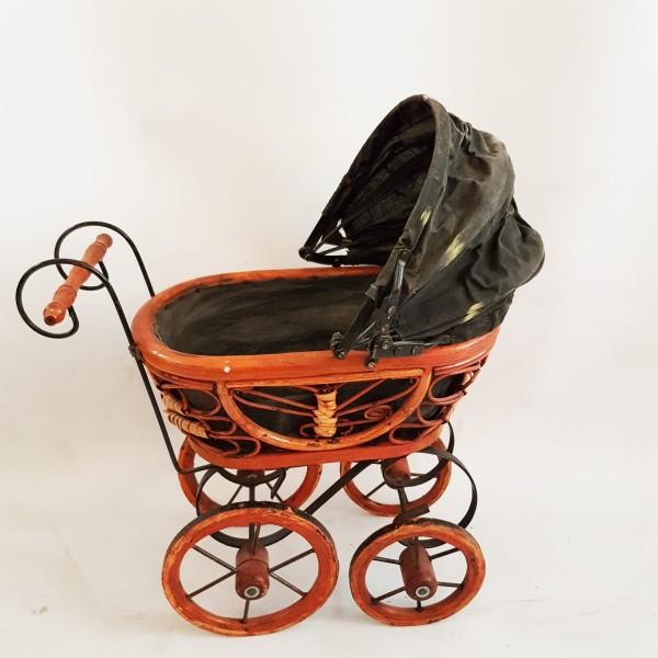 Ретро количка за кукла