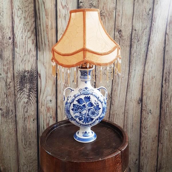 Настолна порцеланова лампа