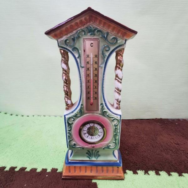 Висок механичен порцеланов часовник