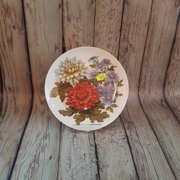 Декоративна чиния за стена