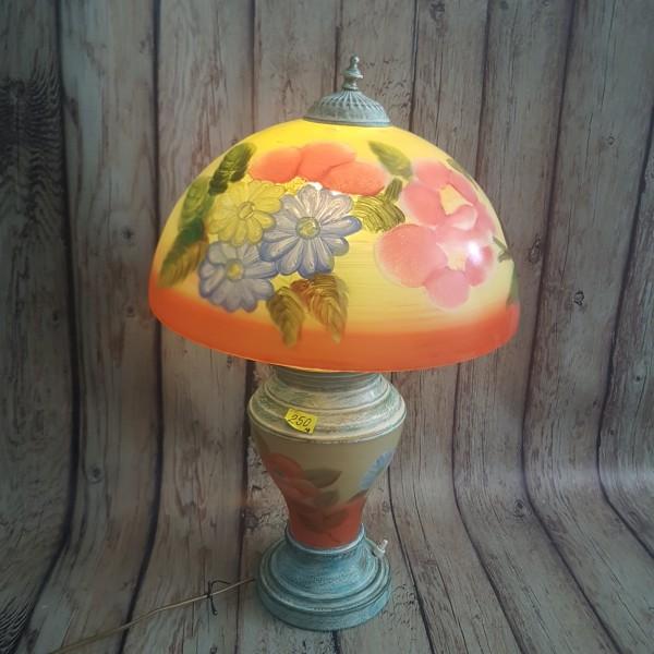 Настолна лампа от рисувано стъкло