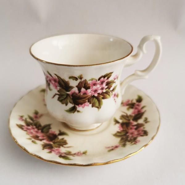 Колекционерска чаша Royal Albert