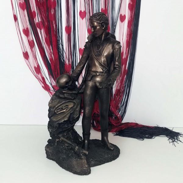 "Пластика ""Хамлет"" - Claire Heat"