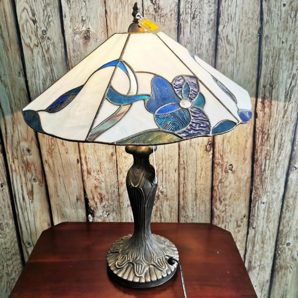 Авторска витражна лампа