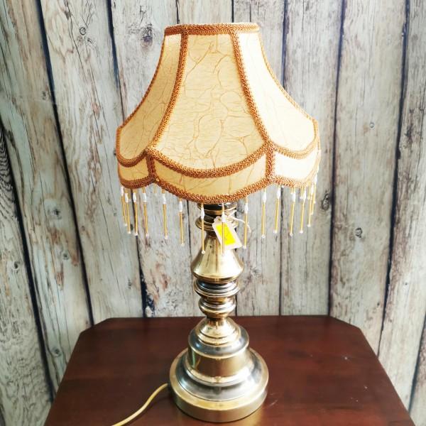 Настолна лампа с месингова основа