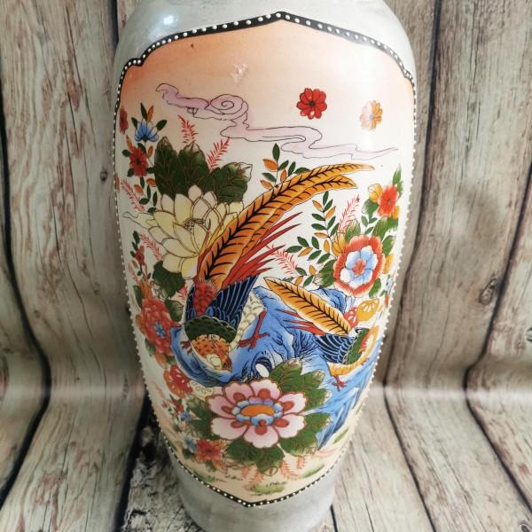 Старинна азиатска ваза