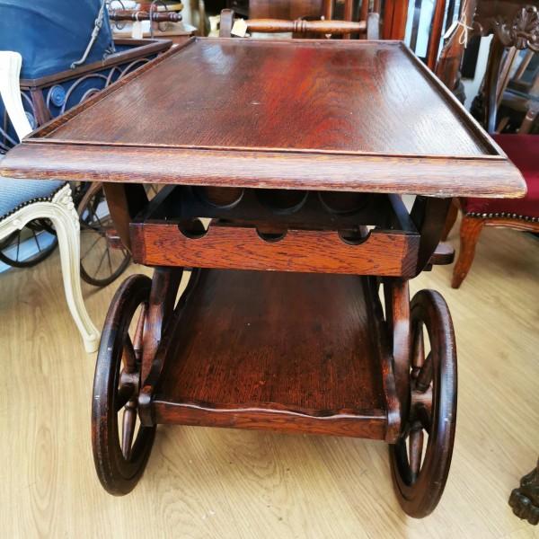 Дъбова количка за сервиране