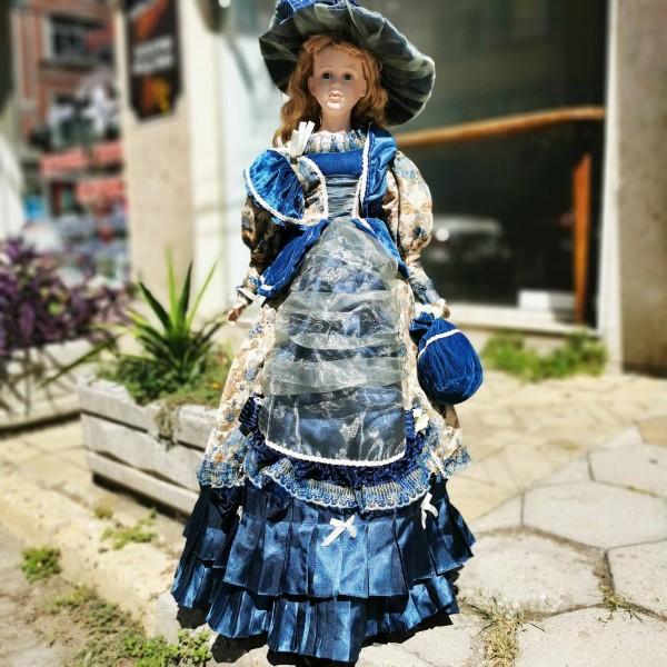 Порцеланова кукла 100см със синя рокля