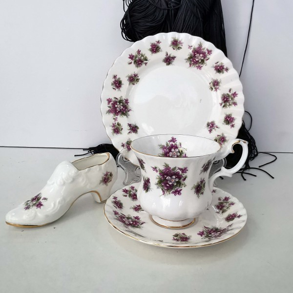 Royal Albert Sweet Violets, трио и обувчица