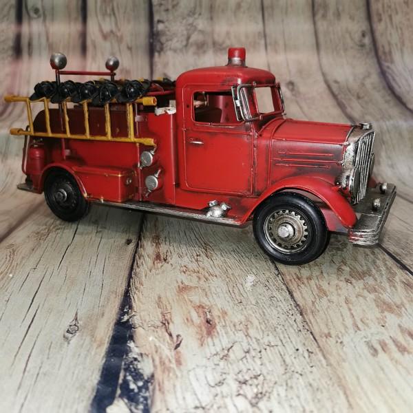 Метална ретро пожарна кола малка