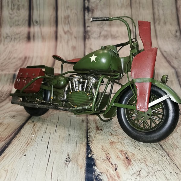 Метален ретро мотоциклет