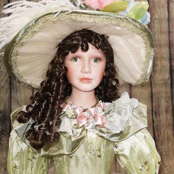 Колекционерска порцеланова кукла 106см