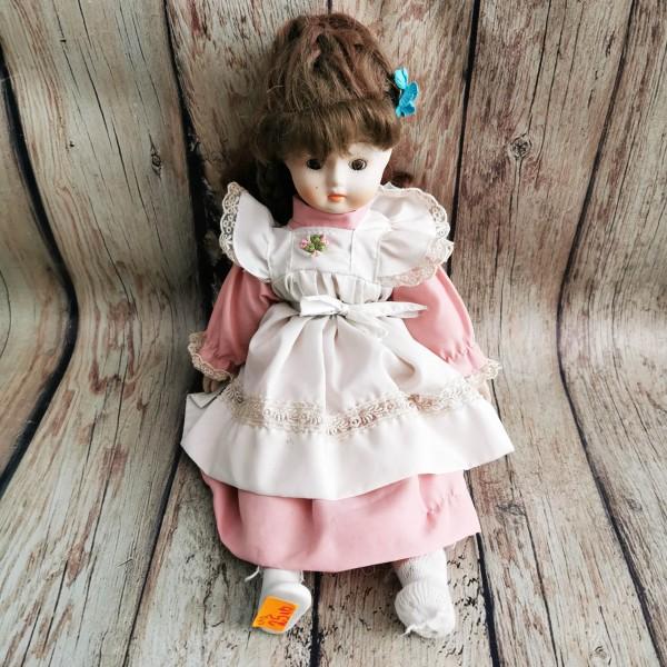 Порцеланова кукла с розова рокля