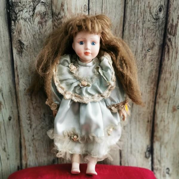 Порцеланова кукла