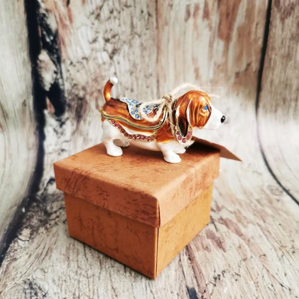 Бижутерка кученце-басет